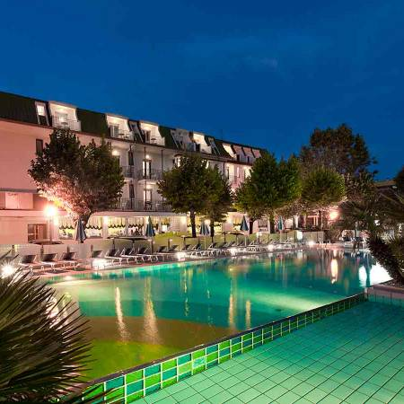 Albergo 3 stelle di Rimini con piscina