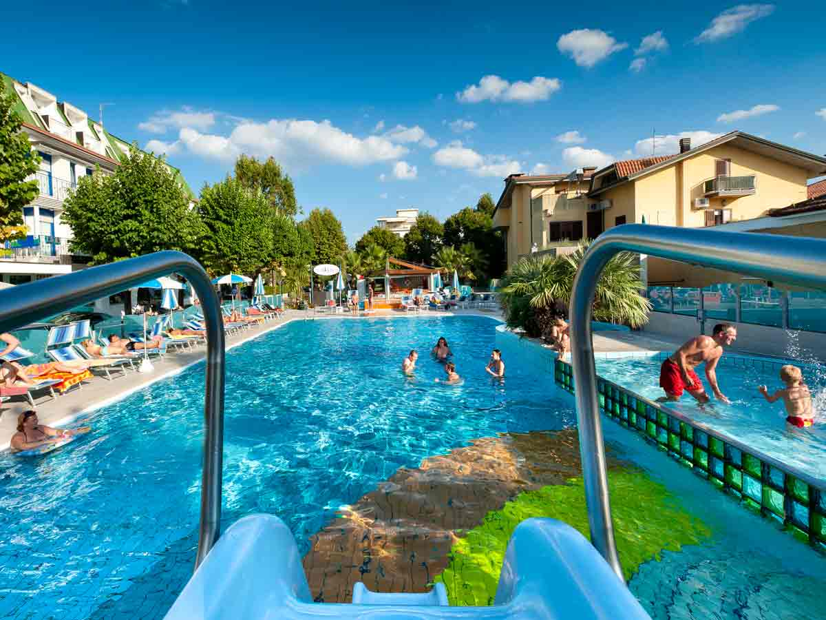 3 Stars Hotel In Bellaria With Swimming Pool Rimini Hotel Swimming Pool Hotel Paris Resort