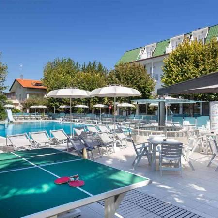 Hotel Bellaria Igea Marina Rimini in romagna con piscina e ping-pong