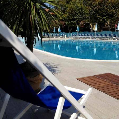Hotel Rimini piscina