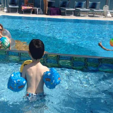 Hotel a Bellaria Igea Marina Rimini in romagna con baby piscina