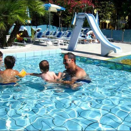 Hotel Rimini con piscina per bambini